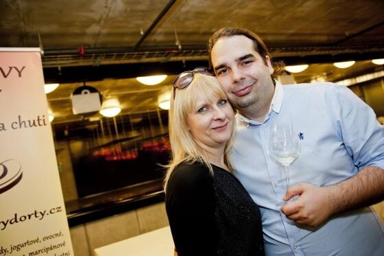 Marek Krška, obchodní a marketingový ředitel Netdirectu, obětoval organizaci Shopexpo mnoho měsíců. Jemu a jeho kolegyním, Radce Legerské a Iloně Křížové, patří moje poklona za to, že zvládli tak velkou konferenci bez předchozích zkušeností zorganizovat.