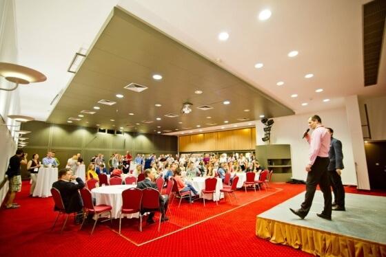 Ve středu 3.6.2015, tedy den před oficiálním zahájením konference Shopexpo, se konalo neformální setkání řečníků v prostorách hotelu Imperial v Ostravě s krátkým doprovodným programem a rautem.