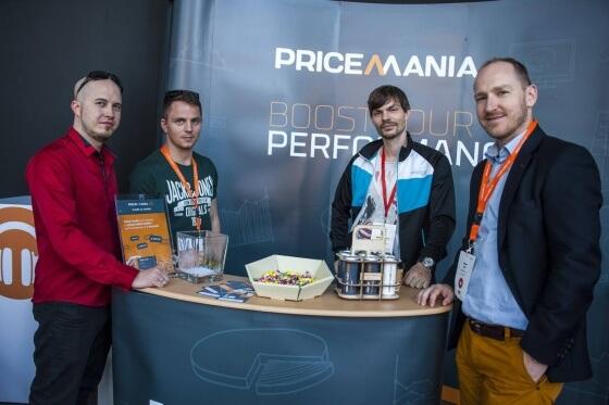 Všichni účastníci mohli v průběhu celé akce navštívit stánky různých firem a probrat s nimi svoje záležitosti kolem e-shopu a podnikání. Mezi těmito firmami byly Pricemania, H1.cz, Acomware, Mergado a Besteto, Medio Interactive, Zásilkovna, DPD a další.