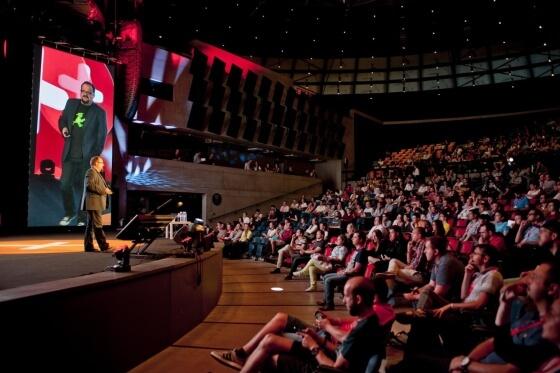 Hlavní přednáškový sál pojal kapacitně cca 1 500 lidí, přičemž konference Shopexpo se zúčastnilo více jak 2 000 lidí.