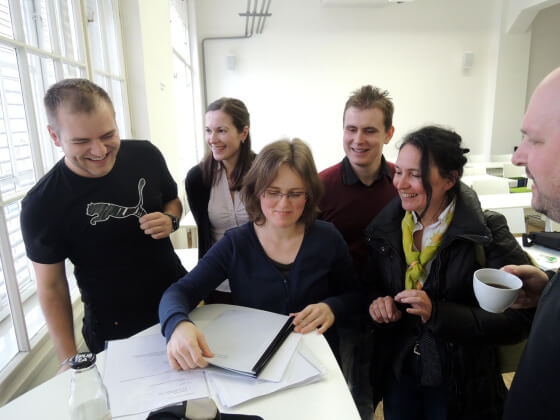 Shluk lidí kolem Petry Mikuláškové - dotazy na odpovědi z testu.